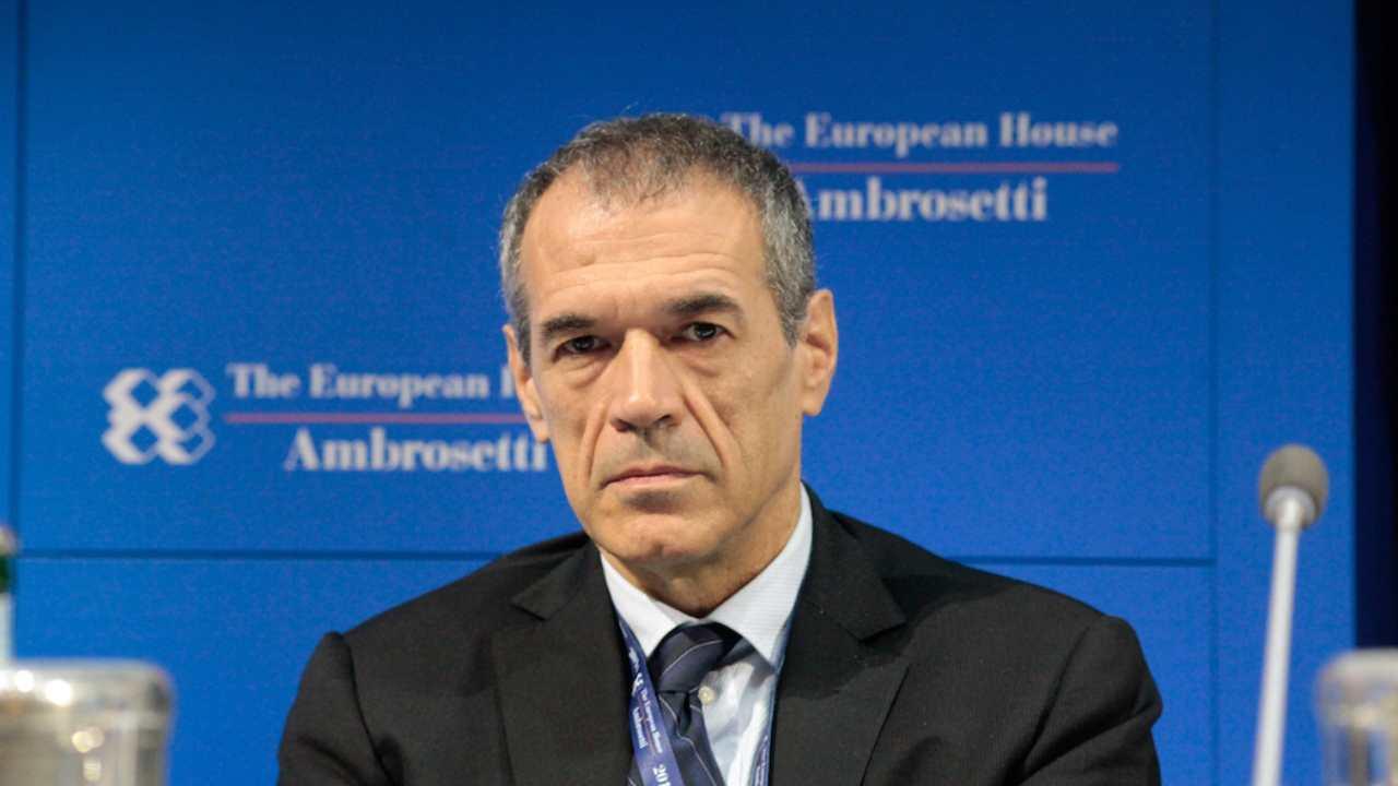 """""""Stiamo spendendo male i fondi"""", dice Cottarelli. Ecco cosa significa - www.meteoweek.com"""