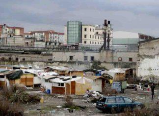 Focolaio covid campo rom di scampia napoli