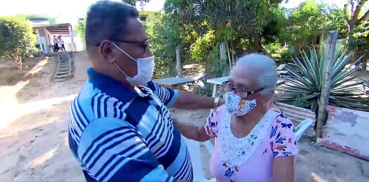 perde portafogli post facebook madre 90enne riconosce dopo 51 anni