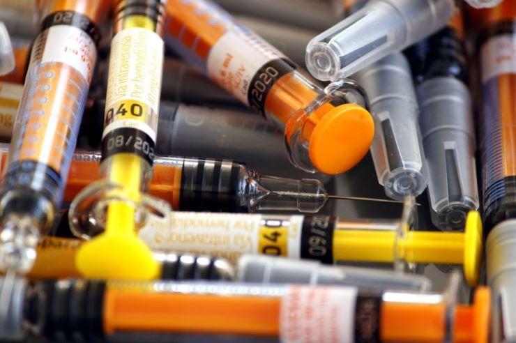 De Luca colpisce ancora: fa il vaccino contro il Covid e scatena la bufera - www.meteoweek.com