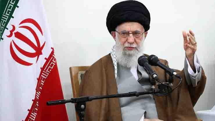 Twitter ha sospeso l'account di Khamenei