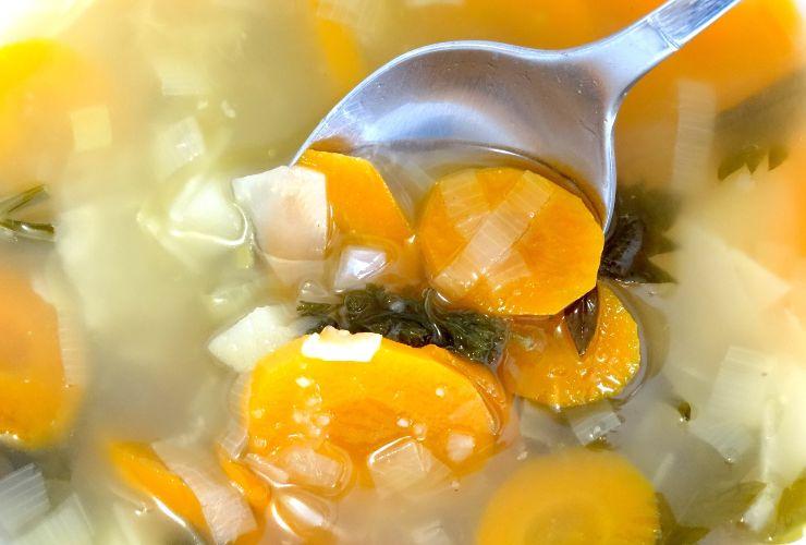 ricetta vegetariana zuppa