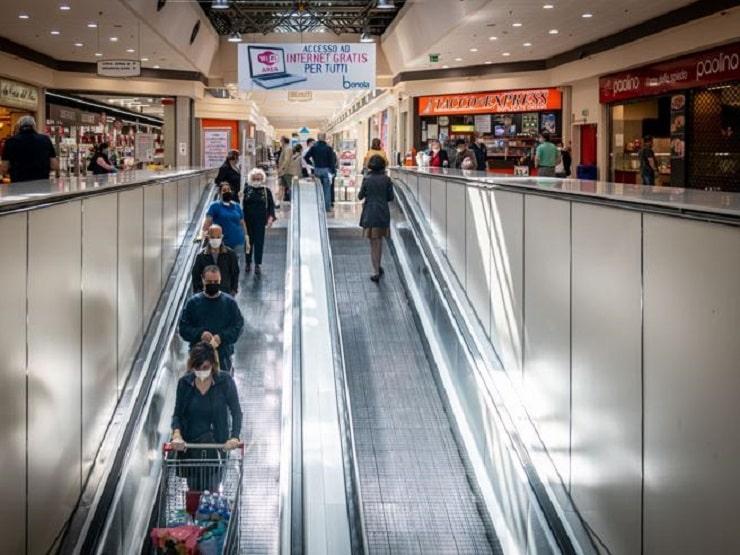 centri commerciali in crisi