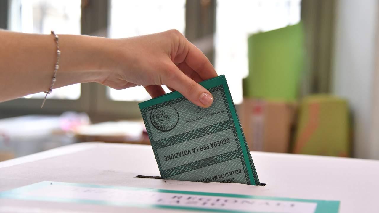 Torna l'ipotesi elezioni: Conte in difficoltà, manca la maggioranza assoluta - www.meteoweek.com