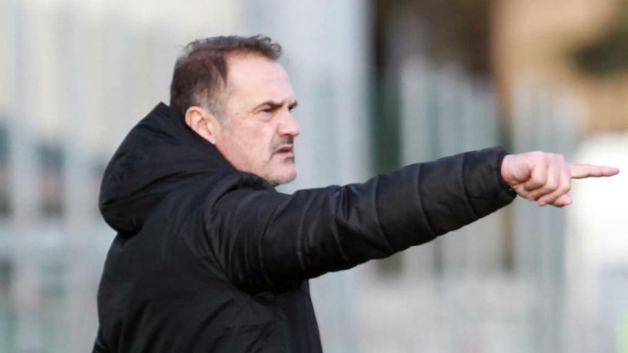 Virtus Entella, l'allenatore Vincenzo Vivarini a bordocampo nella partita con il Cittadella, 4 gennaio 2021 (foto © Virtus Entella Chiavari)