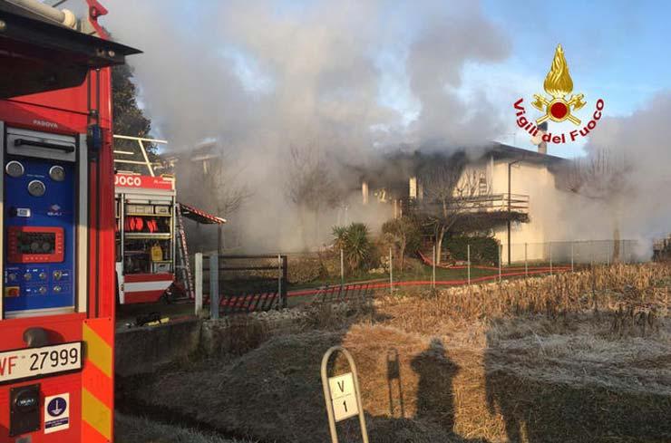 Anziani morti nell'incendio, la figlia: «Mamma e papà vivevano in simbiosi»