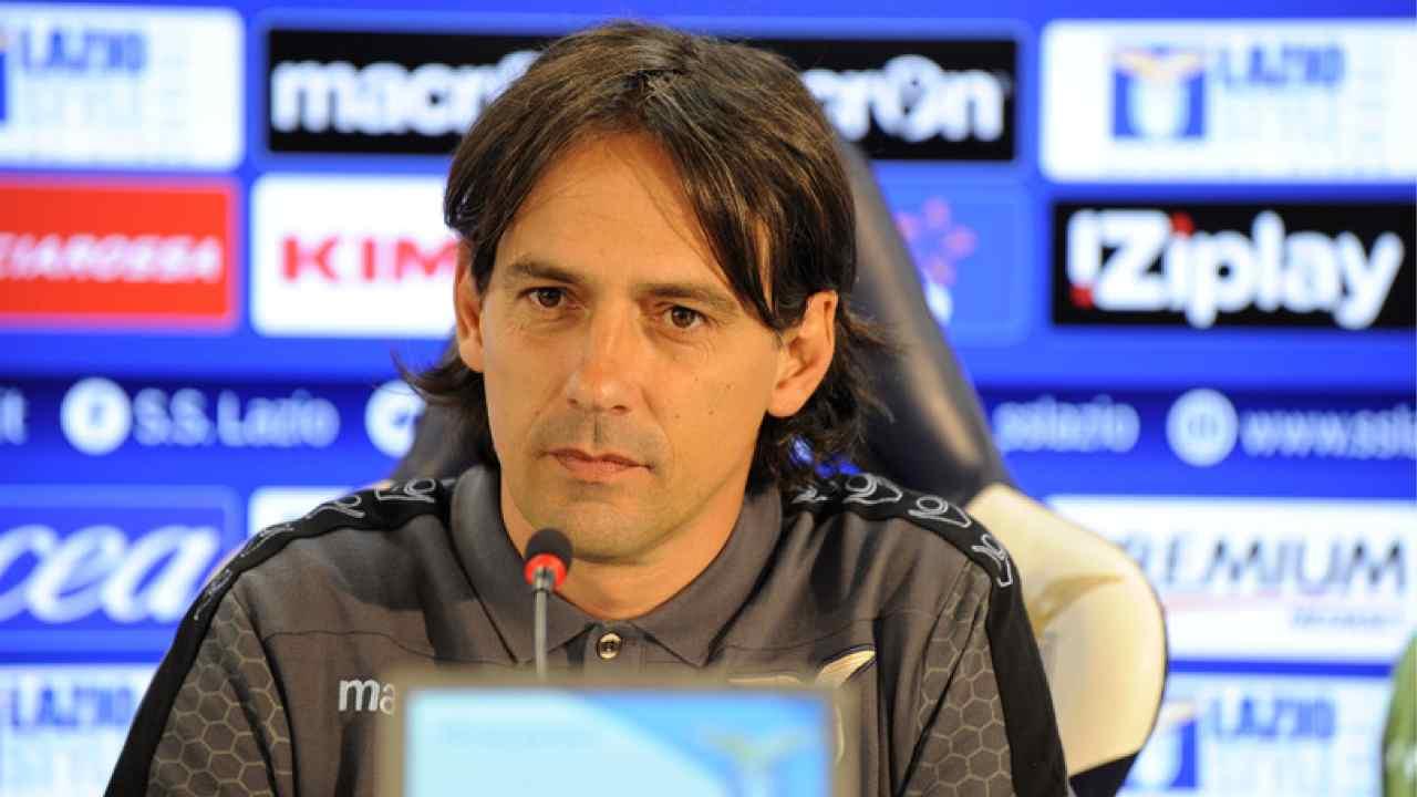 Lazio, l'allenatore Simone Inzaghi in conferenza stampa (foto © S.S. Lazio)