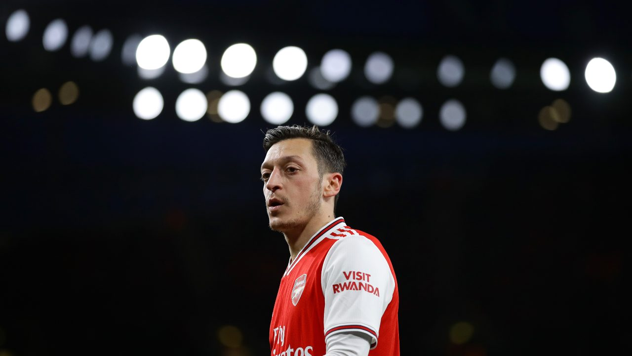 Arsenal, Mesut Ozil in campo contro il Newcastle, 16 febbraio 2020 (foto di Richard Heathcote/Getty Images)