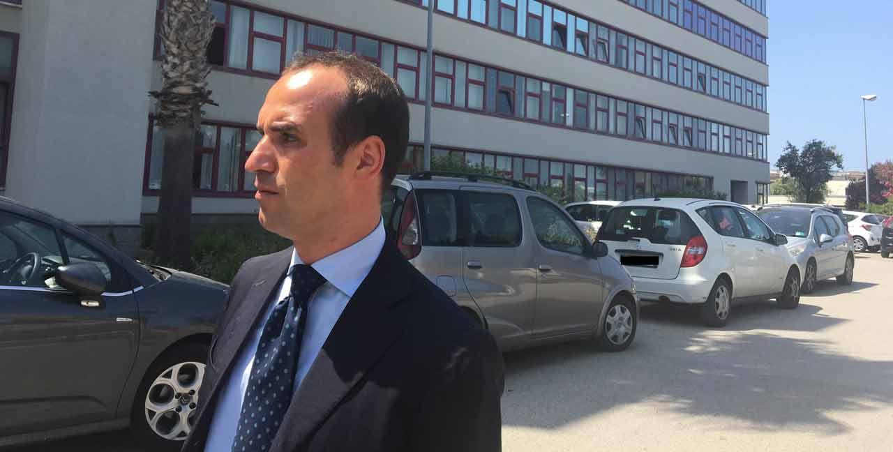 Processo escort, udienza rinviata per motivi di salute di Berlusconi