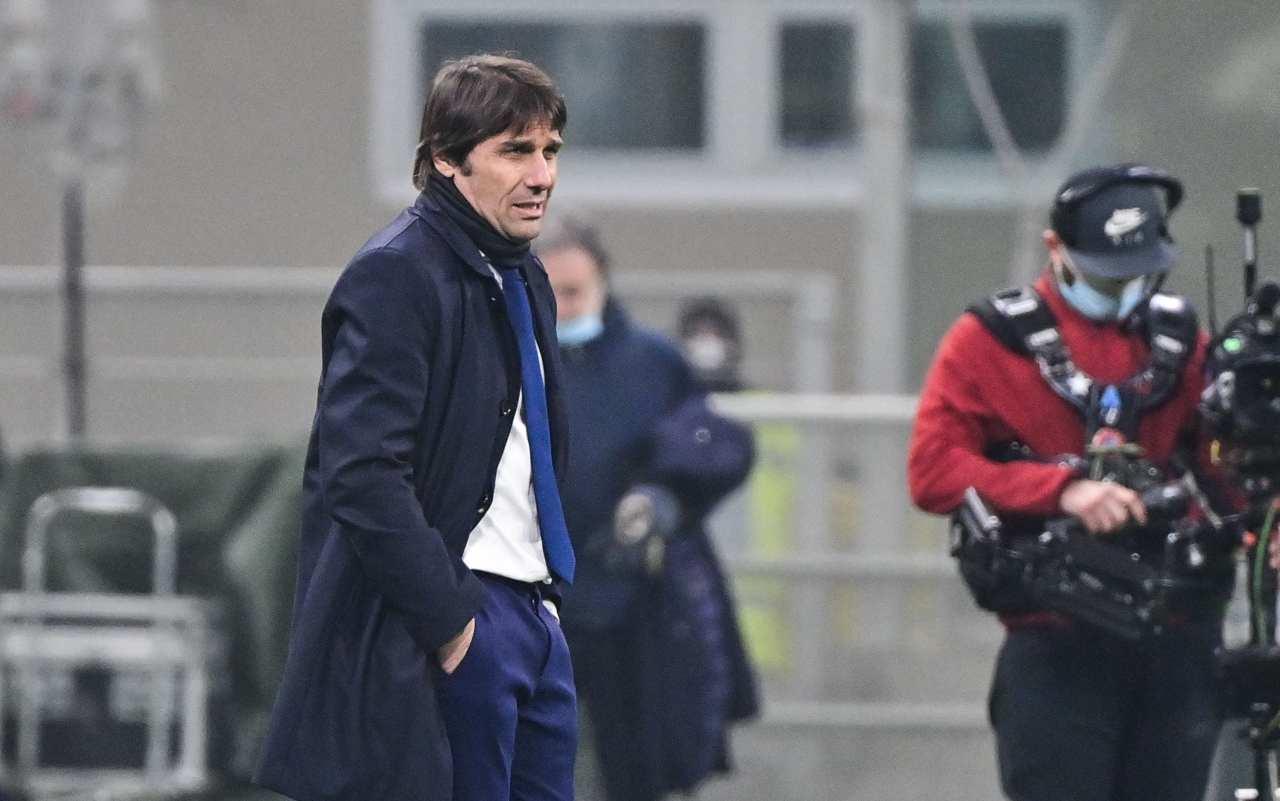 Antonio Conte amareggiato (Photo by MIGUEL MEDINA/AFP via Getty Images)