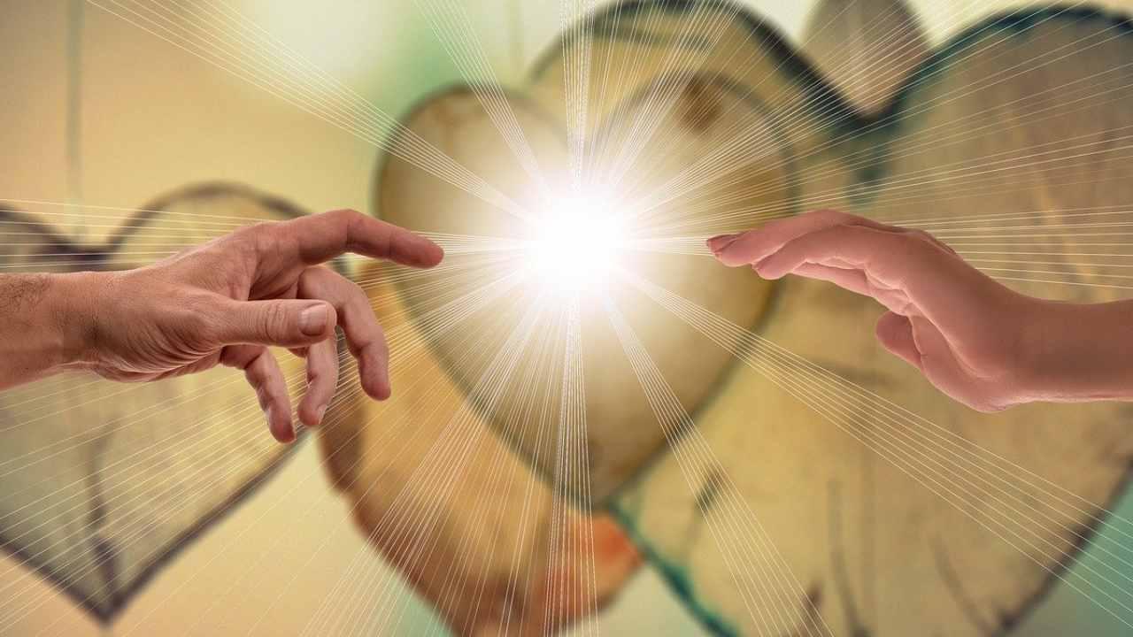 mani cuore Dio