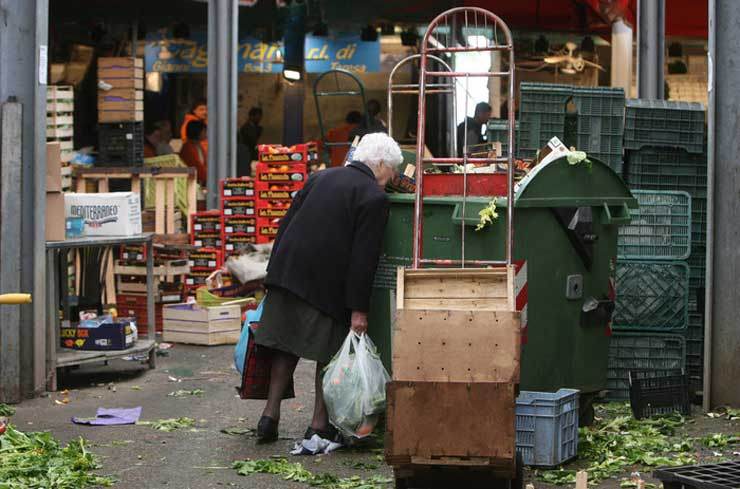 L'Istat nel 2020 +335mila famiglie in povertà assoluta. È record da 15 anni