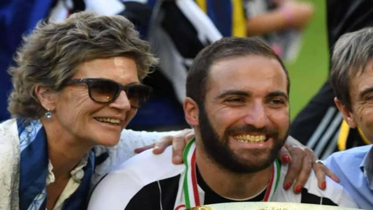Gonzalo Higuain e la mamma Nancy Zacarias