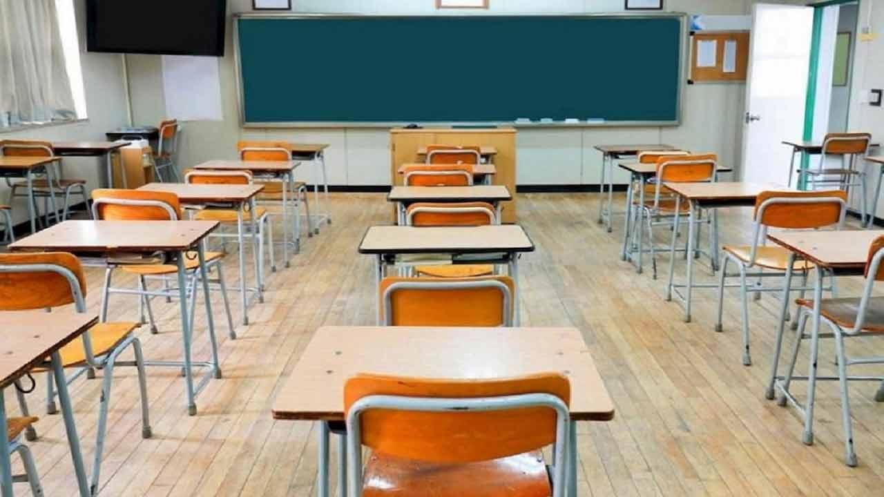 Scuola, da domani tornano in classe 5,6 milioni di studenti
