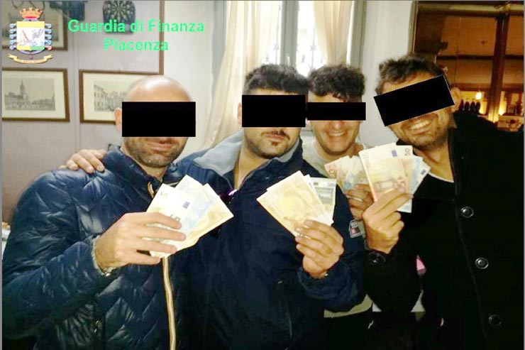 Caserma Levante, la denuncia di tre studenti arrestati: «Una notte di orrore»
