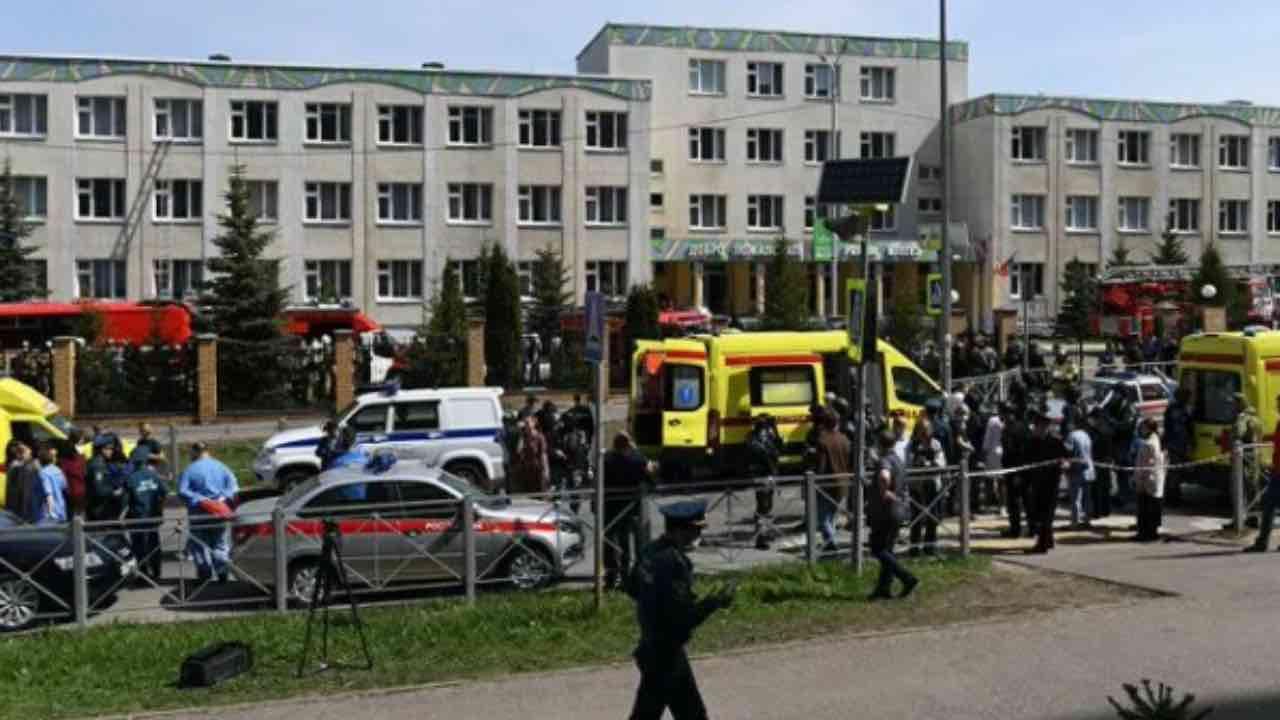 sparatoria scuola russia