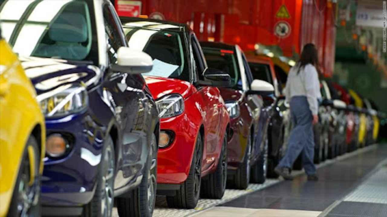 Crif, mercato automobilistico in crescita: maggiori richieste di  finanziamenti